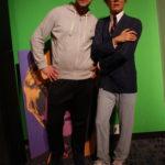 Zdjęcie z figurą Andy Worhola z salonu Madame Tussauds